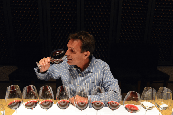 Professional-Wine-Tasting-min